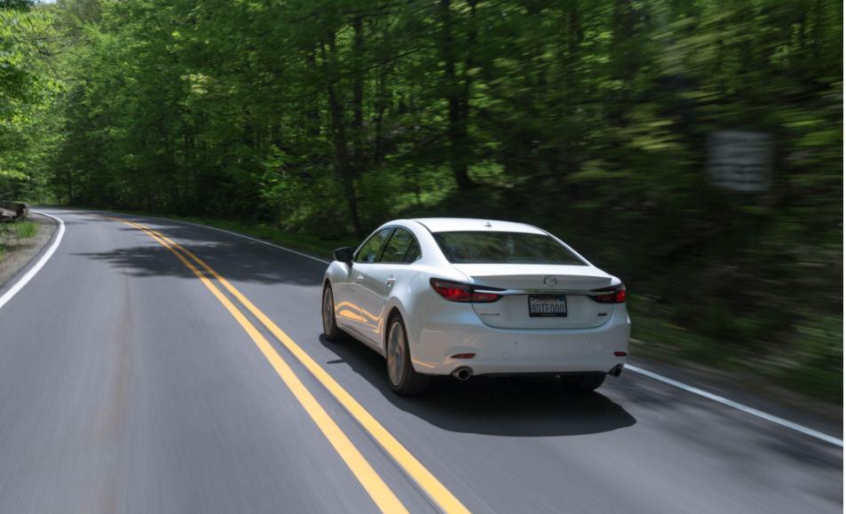 Xác định hướng chuyển động của xe khi đang di chuyển trên đường